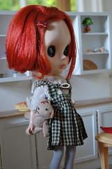 Obi Olivet (Emily1957) Tags: light kitchen toy toys nikon doll dolls kitlens naturallight teddybear blythe houndstooth checks nikond40 miniaturekitchen blytherescuemission friendlyfreckles byminklet obiolivet amloro16