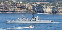 IMG_7640 Sydney Pilot Vessel Approaches Umigiri. (Boat bloke) Tags: water japan canon japanese coast harbor boat ship harbour navy sydney australia pilot sx50hs