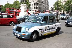 LTI TXi London Taxi in Kweekweek livery (Ian Press Photography) Tags: london cars car carriage cab taxi transport taxis international cabbie cabs txi livery lti kweekweek