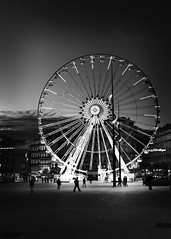 Marseille (ninni garnett) Tags: street leica 35mm marseille streetphotography summicron m9 marsiglia