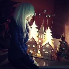 Peaceful Christmas night ^^ (kirakitsunka) Tags: christmas boy christmaslights bjd neri balljointeddoll zaoll dcboy uploaded:by=instagram dollchateau