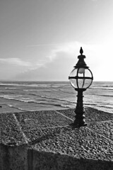Lamp | Lyme Regis (Bozward Monkey) Tags: sea lamp lymeregis