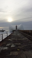 Splash  !!! (rocknrolltheke) Tags: sun lighthouse portugal nature water weather clouds landscape wasser camino path natur wolken wave atlantic porto shore splash landschaft sonne atlanticocean welle oporto leuchtturm wetter weg waterscape atlantik 26365 gischt atlantischerozean