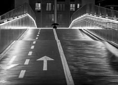 . (Sergio Mora-Gil Crespo) Tags: street blanco monochrome night person one y negro