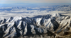 2016_02_16_lga-ord-slc_141 (dsearls) Tags: brown white mountains west utah flying desert aviation united gray aerial ual unitedairlines windowseat windowshot oquirrh oquirrhmountains lgaordslc 20160216