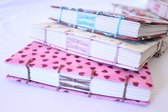 Cadernos Artesanais (Bella Mia Ateliê) Tags: cadernos papelaria artesanais encadernaçãoartesanal encadernaçãomanual papelariaartesanal encadernaçãomanualartística