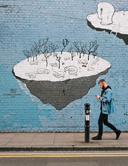 Light blue (lorenzoviolone) Tags: england streetart london art mural pin unitedkingdom streetphotography stranger finepix fujifilm streetphoto muralart fujiastia100f fav10 mirrorless vsco vscofilm streetphotocolor fujix100s x100s fujifilmx100s travel:uk=londonapr16
