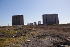 Sighthill flats under demolition (1) (dddoc1965) Tags: road blue red scotland high skies glasgow 21st sunny demolition flats reid april rise kenny sighthill 2016 dddoc davidcameronpaisleyphotographer