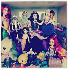 another display of the little mermaid (girl enchanted) Tags: dog max movie toy toys toddler sebastian ds disney mattel disneystore flounder melodydoll arieldoll ursuladoll thelittlemermaiddoll ericdoll vanessadoll kingtritondoll disneyanimatordoll thelittlemermaidfilm