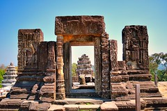 Phnom Bakheng - The remains of one of the outer towers on the summi (Simon5591) Tags: khmer angkorwat siemreap phnombakheng