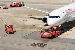 Iberia Airbus A320 EC-JFN (j.borras) Tags: barcelona airplane ramp taxi bcn airbus operations runway tow spotting ib departing a320 iberia rwy25l lebl ecjfn