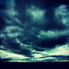 Doom Sky #skyporn #Lincolnshire #burtonuponstather #Flixborough... (nathanrobinson2) Tags: family skies exploring lincolnshire adventure explore bigsky gloom rainclouds bigskycountry skyporn flixborough burtonuponstather uploaded:by=flickstagram instagram:photo=982066202109280427184137303