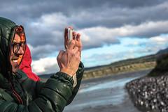 Sacando fotos (gus926gl) Tags: camera travel viaje sky people cloud patagonia man men argentina clouds canon ushuaia person persona photo holidays foto gente photos social 100mm personas cielo fotos nubes vacaciones camara nube hombre t3i
