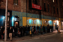 Line-up for Zuze (sevres-babylone) Tags: toronto night cameronhouse lineup zuze x100t jmartinsevresbabylone 16041421222672720