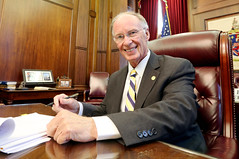 04-26-2016 Teacher Pay Raise Signed by Governor Bentley