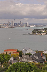 New Zealand - Auckland - view from Devonport (Harshil.Shah) Tags: new city house home skyline skyscraper island waterfront view harbour north auckland zealand devonport