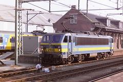 SNCB 2150 (bobbyblack51) Tags: station electric 21 bobo bn class locomotive 1995 roosendaal 2150 acec sncb