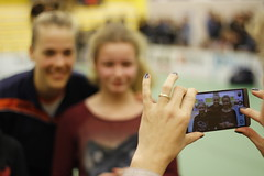 A Picture with my Idol (rikbuitenwerf) Tags: holland photo foto picture nederland idol friendly volleyball nederlands femke volleybal ducth almelo belgia idool vriendschappelijk stoltenborg