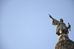 Monument a Colom (C. Matges) Tags: barcelona blue sky azul minimal negativespace lasramblas estatua coln momumento espacionegativo nikond5100