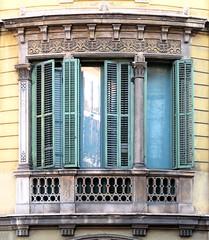 Barcelona - Pau Claris 118 c (Arnim Schulz) Tags: barcelona espaa art window architecture liberty ventana spain arquitectura arte fenster kunst catalonia finestra artnouveau gaud architektur catalunya espagne fentre modernismo catalua spanien modernisme jugendstil espanya katalonien stilefloreale belleepoque baukunst