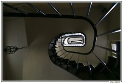 Spirale {explore} (imaGilaire) Tags: paris lumire fentre escalier vieux marches 2016 rampe imagilaire