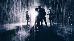 Happiness is capturing this electric feel under the rain. #xoxo #love (redshutterbugg) Tags: love beautiful sony passion sillhouettes lacma xoxo rainroom discoverla
