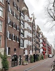Amsterdam, Brouwersgracht Luiken (Nik Morris (van Leiden)) Tags: holland netherlands amsterdam nederland warehouse shutters jordaan brouwersgracht kuiken