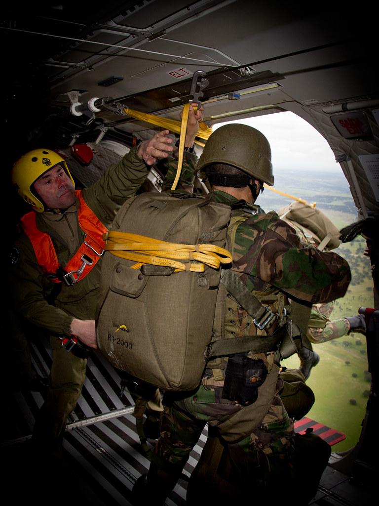 0bf97cd2d3a #realthaw 2016 - Paraquedistas (Força Aérea) Tags: casa paratrooper tancos  carlosbarbosa paraquedistas