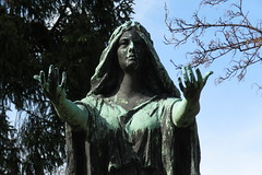 IMG_9066 (Naturecamhd) Tags: nyc newyorkcity sculpture grave graveyard statue canon bronx gothic goth powershot thebronx gravemarker woodlawncemetery thewoodlawncemetery canonpowershotsx60hs sx60hs