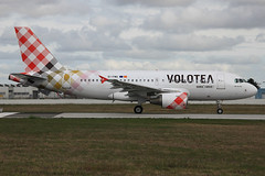 Airbus A319-112 Volotea Airlines EI-FMU (herpeux_nicolas) Tags: airbus takeoff v7 a319 dcollage voe nte a319100 a319112 nantesatlantique lfrs cn2122 davwq msn2122 volotea voloteaairlines eifmu mamanjarrive venividinvolo