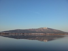 Dolenje jezero (ziomaurits) Tags: winter sky lake nature water lago natura cielo marzo jezero cerknica circonio dolenje
