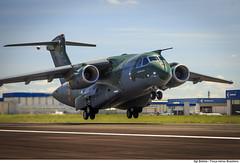 KC-390, a nova aeronave de transporte da Força Aérea Brasileira (Força Aérea Brasileira - Página Oficial) Tags: sãopaulo transporte embraer decolando decolagem cargueiro aeronave gaviãopeixoto brazilianairforce aviaçãodetransporte kc390 aeronavemilitar