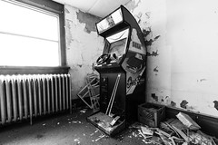 Sumner School - Out Run Game (Nathan Hillis Photography) Tags: school urban blackandwhite game abandoned oklahoma out video high ruins peeling driving decay run forgotten radiator angst sumner urbex