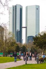 Frankfurt am Main: Deutsche Bank (kevin.hackert) Tags: park hessen frankfurt main deutschebank frankfurtammain metropole hochhaus ffm 069 rheinmain taunusanlage