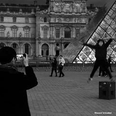 Paris - 03-2016 (No.Made) Tags: street paris noiretblanc louvre tuileries pyramide