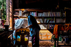 Dpoussirage (francois werner) Tags: voyage fuji contraste asie bibliotheque thailande 2016 xe2