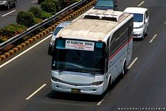 Primajasa (BagusRailfans photo) Tags: bus mercedes benz mas body agra jakarta bis hino aptb transjakarta damri bismania primajasa arimbi