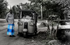 Tu y yo (Saint-Exupery) Tags: leica candid srilanka robado