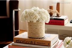 DIY: adornos decorativos com latas de conserva recicladas (utilidades_casa) Tags: flores diy casa cola decoração velas corda passoapasso latasdeconserva faztumesma