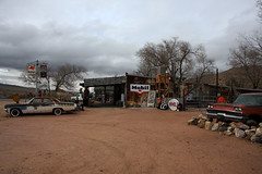Old gas station with oldtimers in Hackberry, Arizona (sensaos) Tags: travel arizona usa abandoned car station america us route66 decay mobil 66 gas gasstation route forgotten ghosttown oldtimer derelict abandonment 2014 mobilgas sensaos amserica