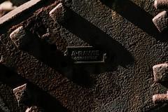09.09.2006 Wanne - Eickel. Prellbock (ruhrpott.sprinter) Tags: railroad ice train germany logo deutschland ic essen diesel natur pflanzen eisenbahn rail zug 11 ferrari db 101 nrw 111 passenger fret bochum ruhr ruhrgebiet rb dortmund 103 freight vt mnster locomotives re2 46 rheingold s2 kabel metropole gts 152 lokomotive 143 348 146 wanne sz wanneeickel flieder sprinter ruhrpott gter 425 sonderzug schwellen prellbock kabelkanal eickel reisezug abellio rb42 ellok knotenblech schienenklammern