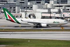 Alitalia A330-200 (Wiggy66) Tags: a330 alitalia kmia miamiinternational eiejj