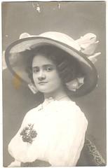 kalapos lny (fotobarat966) Tags: portrait hat lady hungary young magyar hungarian kalap rppc portr hlgy fiatal kpeslapfot 190515