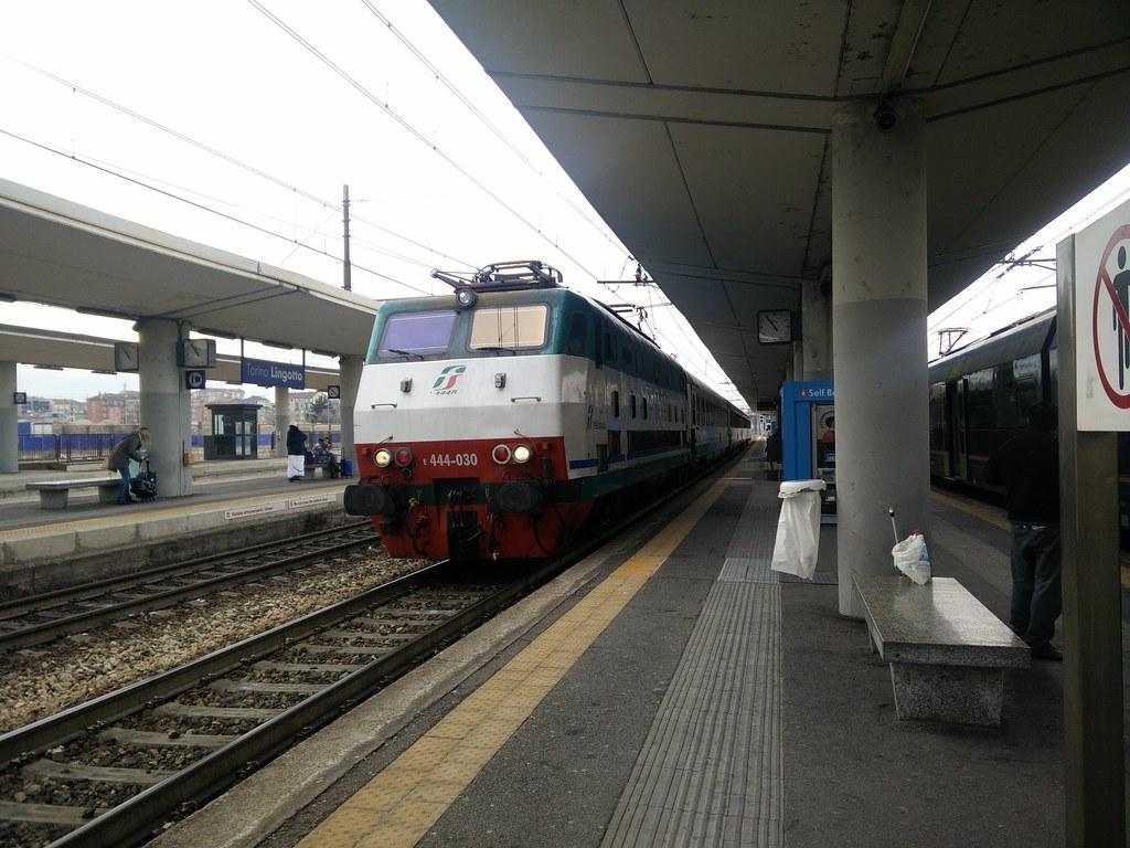 The world 39 s best photos of e444 and genova flickr hive mind - Milano porta genova treni ...