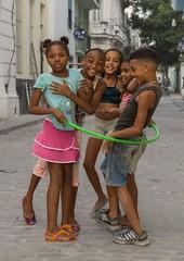 Havannas Backstreet kids (Chris Willis 10) Tags: kids hoop children play hula cuba havanna backstreets