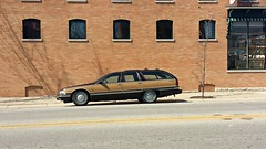 Buick Roadmaster Wagon (Cragin Spring) Tags: usa car wagon illinois buick midwest unitedstates unitedstatesofamerica richmond il vehicle stationwagon roadmaster mchenrycounty richmondil richmondillinois buickroadmasterwagon