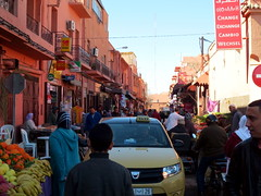 crowded (simon_berlin62) Tags: world life street city travel colour photography morocco arab maroc marrakech maghreb medina marrakesh rue marokko colouful  marrakesch 2016   afriquedunord