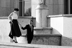 Toujours ensemble... (Paolo Pizzimenti) Tags: paris film couple femme amour f2 12mm f18 mariage 45mm chaise homme omd argentique paille em1 trocadro pellicule ravenne penf m43 payer mirrorless argotique