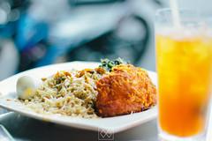 IMG_2741 (WahidaSamsuddin) Tags: food chicken canon lunch 50mm rice crispy malaysia kualalumpur f18 friedchicken canoneos digitalphoto mamak malaysianphotographer icelemontea adobelightroom femalephotographer 550d nasikandar pandanindah terengganuphotographer wahidasamsuddin hameedsmaju