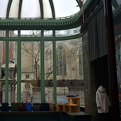 The Refugee (MPnormaleye) Tags: monument strange museum architecture square moody skylight historic utata 24mm atrium